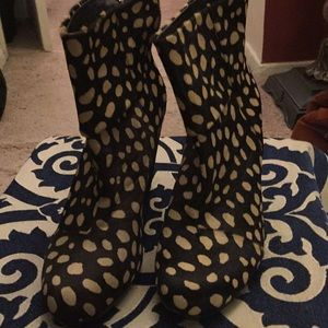 Designer Vince Camino leather Calf Hair Boots